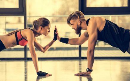 mulher-homem-exercicio-academia