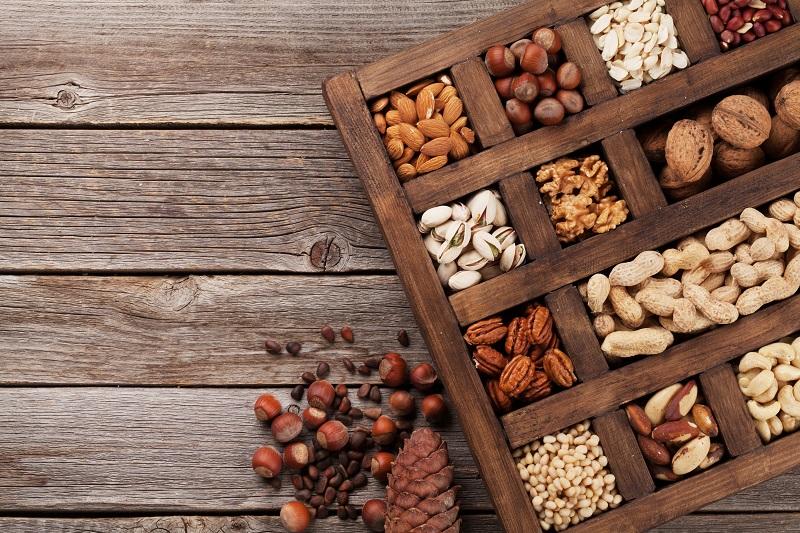nao-pule-refeicoes-castanhas-nuts-nozes-amendoim-amendoas